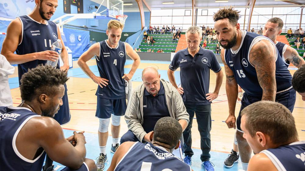 Chartres Basket M/étropole Chartres M/étropole Basket Short Officiel Domicile Saison 2018-2019 Chartres M/étropole Basket Short Officiel Domicile Saison 2018-2019 Mixte Enfant Short de Basketball